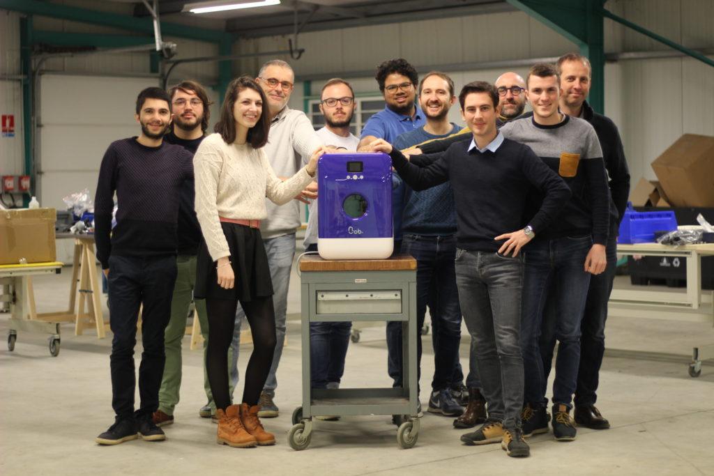 Equipe Daan Tech dans notre usine en Vendée avec Bob fabriqué en France